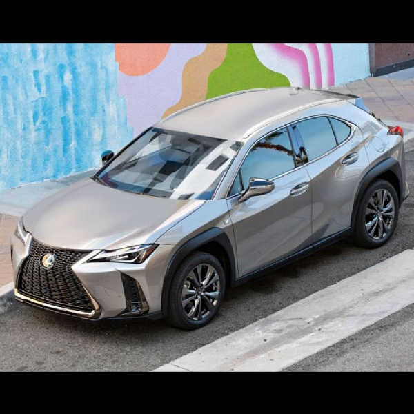 Lexus UX 2019 Mulai Diperkenalkan di  New York