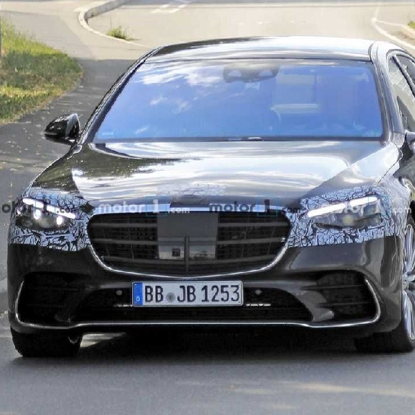 Spy Shoot Mercedes Benz SC-Class 2021 Tampil Tanpa Kamuflase
