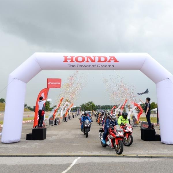 Mencoba Honda CBR di Malaysia