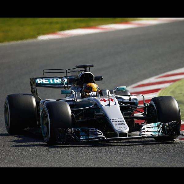 F1: Lewis Hamilton Raih Kemenangan Mudah di Kanada