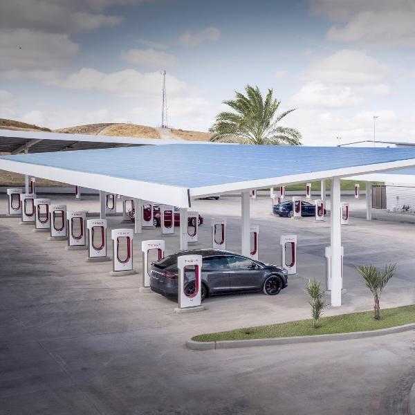 Tahun Ini, Tesla Akan Buka Jaringan Supercharger Untuk Mobil Listrik Lain