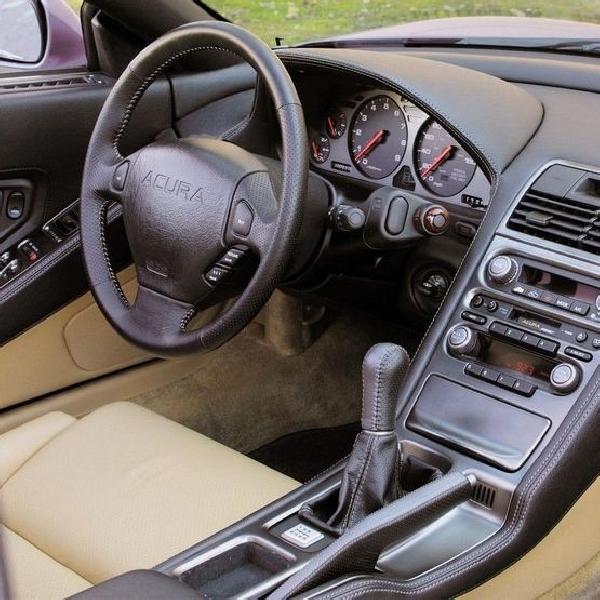 8 Interior Mobil JDM Sports Klasik Terbaik (2 yang Terburuk)
