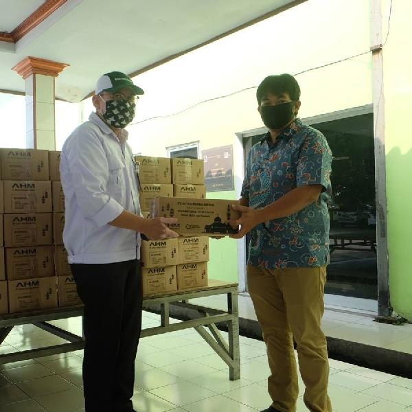 AHM Berbagi Paket Sembako Ramadhan untuk Masyarakat