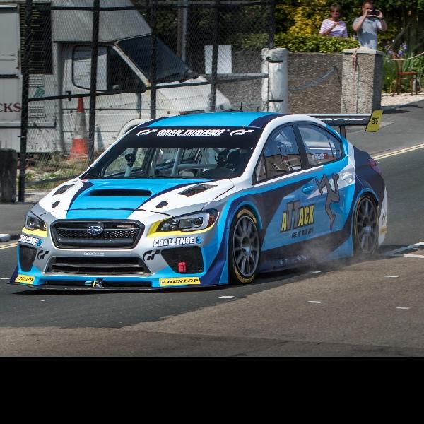 Subaru WRX STI pecahkan rekor di Isle of Man TT Road Course