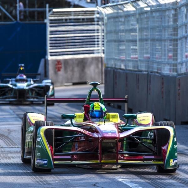 Lucas di Grassi Raih Gelar Juara Dunia Formula E