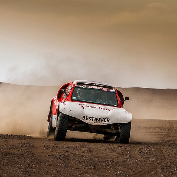 Acciona Berbasis EV Selesaikan 80 persen Rally Dakar 2016