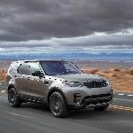 Land Rover Sabet Dua Penghargaan