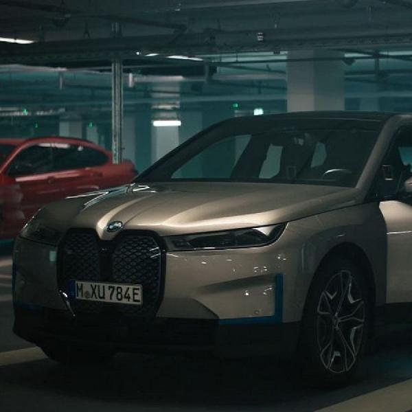 Alasan BMW iX Disukai Pemenang Oscar Christoph Waltz