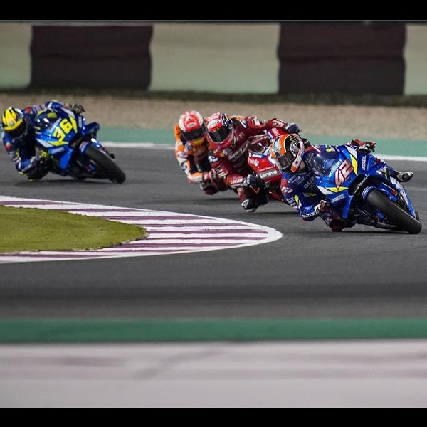 MotoGP Qatar : Kecepatan Suzuki GSX-RR di Tikungan Dipuji Oleh Dovizioso