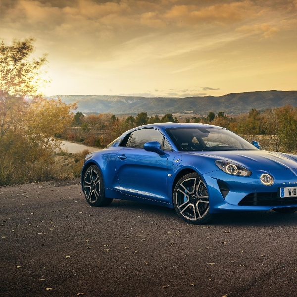 Alpine A110 Premiere Edition Sports Car Enthusiasts