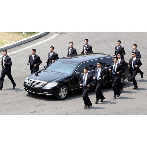 Kim Jong Un Naik Mercy, Mercedes-Benz: Kami Tidak Pernah Jual ke Korut