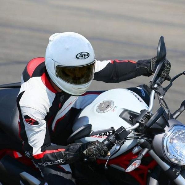 Arai Luncurkan Helm ECE 22,06 Standarisasi Baru