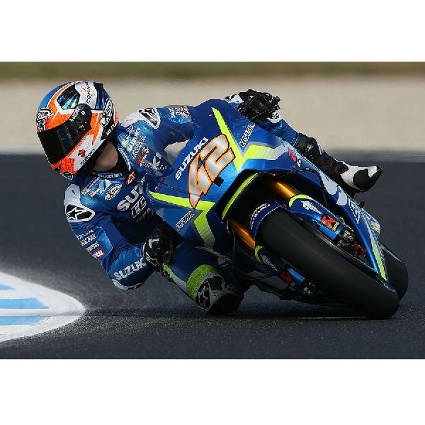 Alex Rins: Tekanan Dari Rossi Buat Kemenangan Emosional