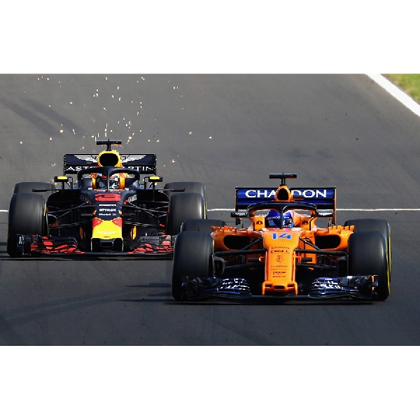 McLaren Tidak Ingin Bersaing Secara Reguler Dengan Red Bull