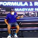 F1: Aston Martin Bantah Dekati Fernando Alonso untuk Gantikan Sebastian Vettel