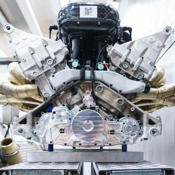 Keunikan Mesin V12 Cosworth Milik Aston Martin Valkryie