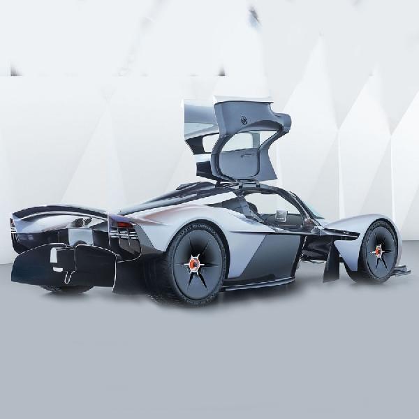 F1: Aston Martin Masukkan Teknologi Balap F1 ke Mobil Konvensional?