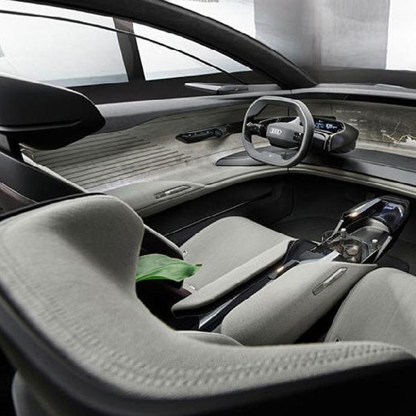 Audi Ciptakan Kaca Depan yang Bisa Berubah Menjadi TV Raksasa
