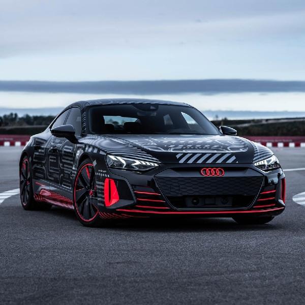 Audi RS E-Tron GT Tawarkan Akselerasi dan Kenyamanan Tinggi