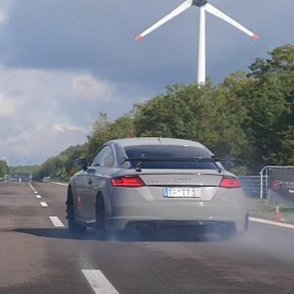 Audi TT RS 800 Hp Mampu Melesat 0-100 Km Hanya Dalam 2,8 Detik