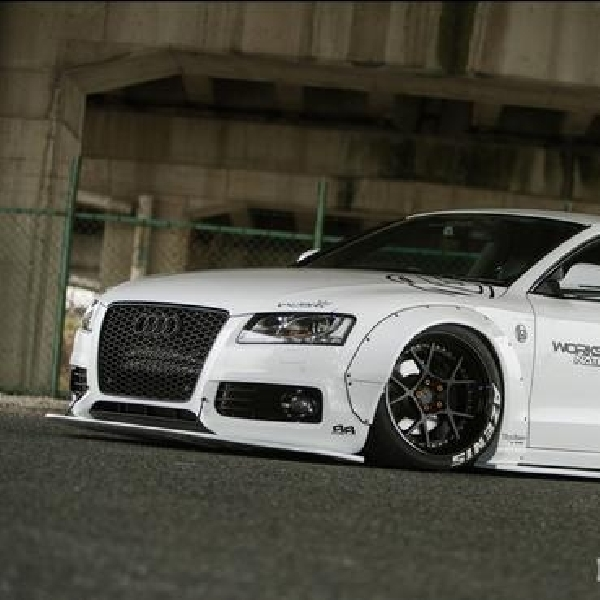 Modiifkasi Audi A5 ala Body Kit Rocket Bunny