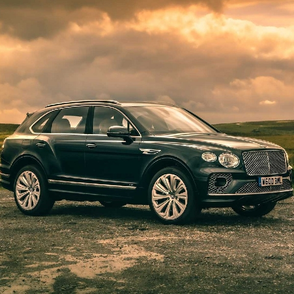 Bentley Bentayga 2021 Tampil Mewah, Limousine-nya SUV