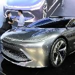 BIAC Perkenalkan Mobil Konsep Pesaing Tesla S di Beijing Auto Show