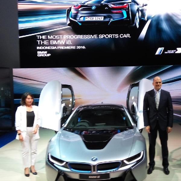 BMW i8 akhirnya resmi dijual