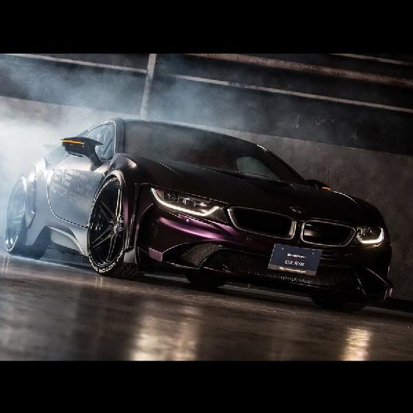Dark Knight Edition BMW i8 Berbahan Carbon Buatan Jepang