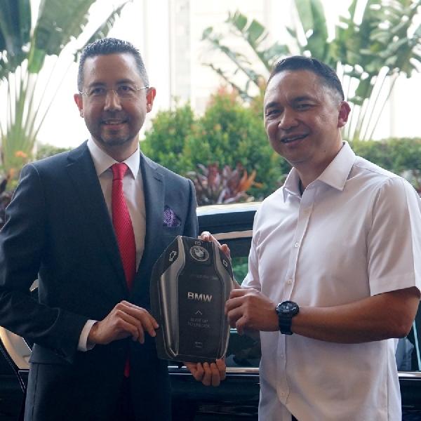 Penumpang First Class Garuda Indonesia Bisa Rasakan Kenyamanan BMW Seri 7