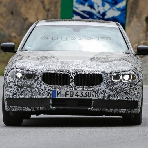 BMW Kenalkan Dua Model Hybrid