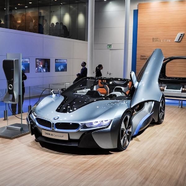 BMW i8 Roadster Menjadi Kenyataan