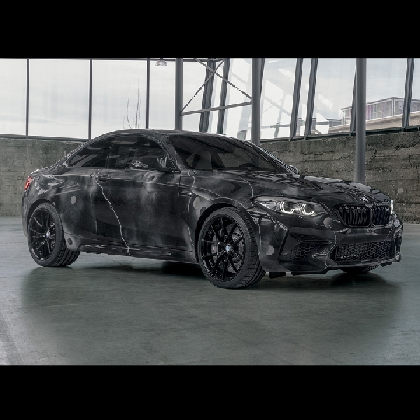BMW M2 Competition Spesial Edition, Kolaborasi Seniman Grafity McGurr Hanya 500 unit di Dunia