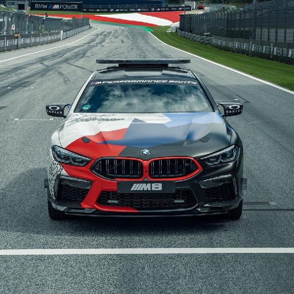 Sebelum Debut, BMW Serahkan M4 2021 Kepada Pemenang MotoGP