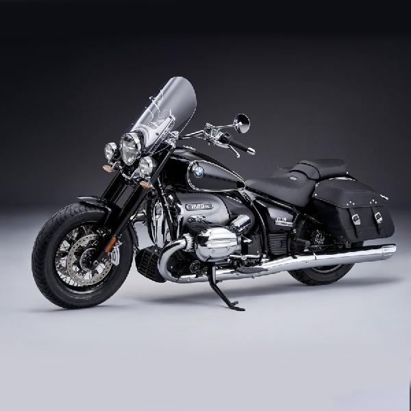 BMW Motorrad Perkenalkan New R 18 Classic dan New R nineT
