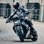 BMW S1000R 2021: Lebih Ringan, Lebih Canggih