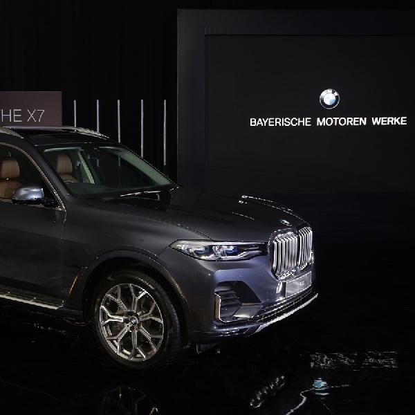 BMW X7 Hadirkan Pencahayaan dan Fitur Hiburan Terbaru