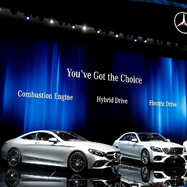 Dieter Zetsche Resmi Pensiun Dari Daimler