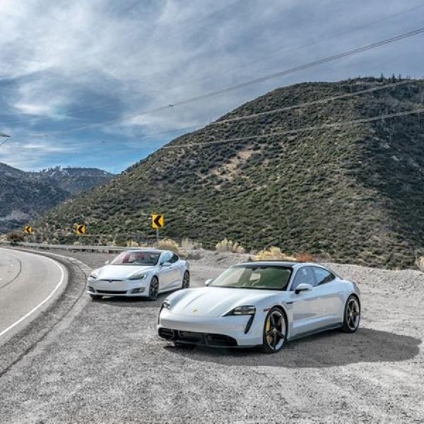 Bos Porsche Sebut Tesla Bukan Rivalnya di Electronic Vehicle