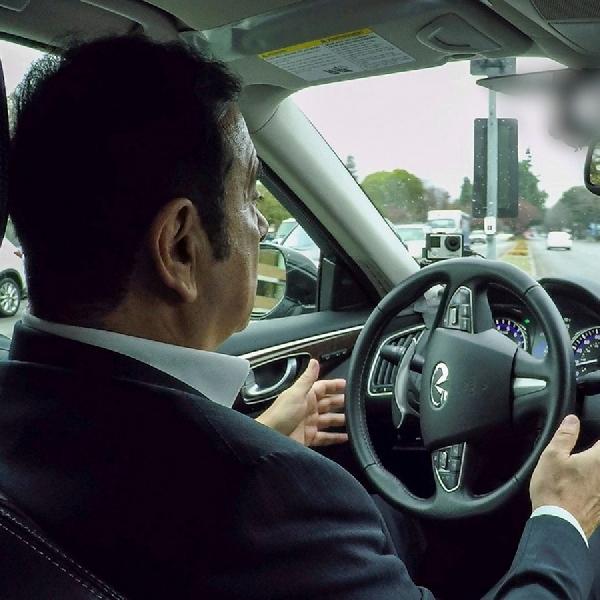 Bos Renault-Nissan Coba Langsung Kendaraan otonom