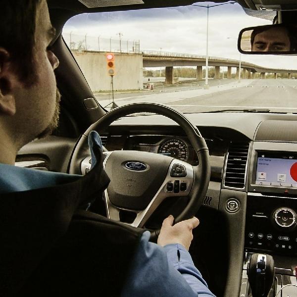Ford Pastikan Penggunaan Teknologi C-V2X di 2022
