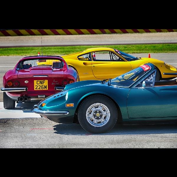 Parade 150 Ferrari Dinos dari Maranello ke Fiorano, Peringati 50 tahun