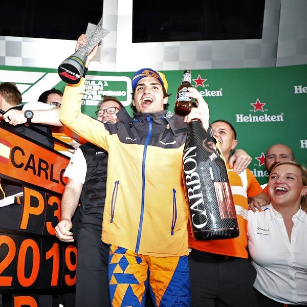 F1: Carlos Sainz Adakan Negosiasi Kontrak dengan McLaren