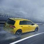 VW: Tenaga Golf R Tidak Akan Sampai 400 Hp