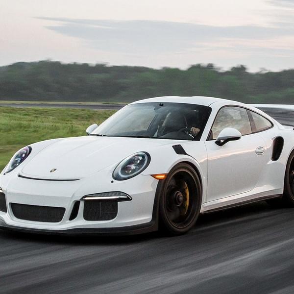Porsche 911 GT3 Terbakar di Nürburgring