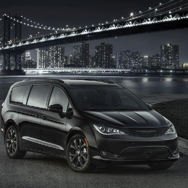 Tantangan Chrysler Pacifica S 2018 di Kelas Minivan Premium