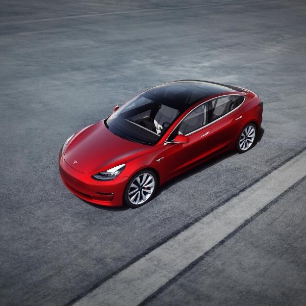 Tesla Model 3 Catat Penjualan Terbanyak Untuk BEV