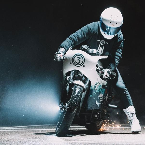Modif Ringan Triumph Cafe Racer untuk Ice Racing 2019