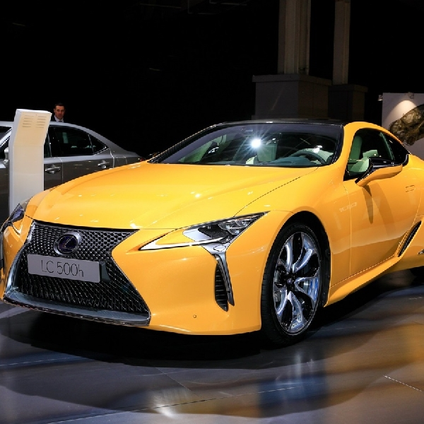 Lexus Luncurkan LC Limited Edition di Paris Motor Show 2018