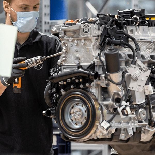 Daimler dan Geely Bekerjasama Untuk Powertrain Hybrid R and D
